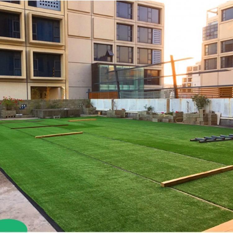 幼儿园人造草坪铺设