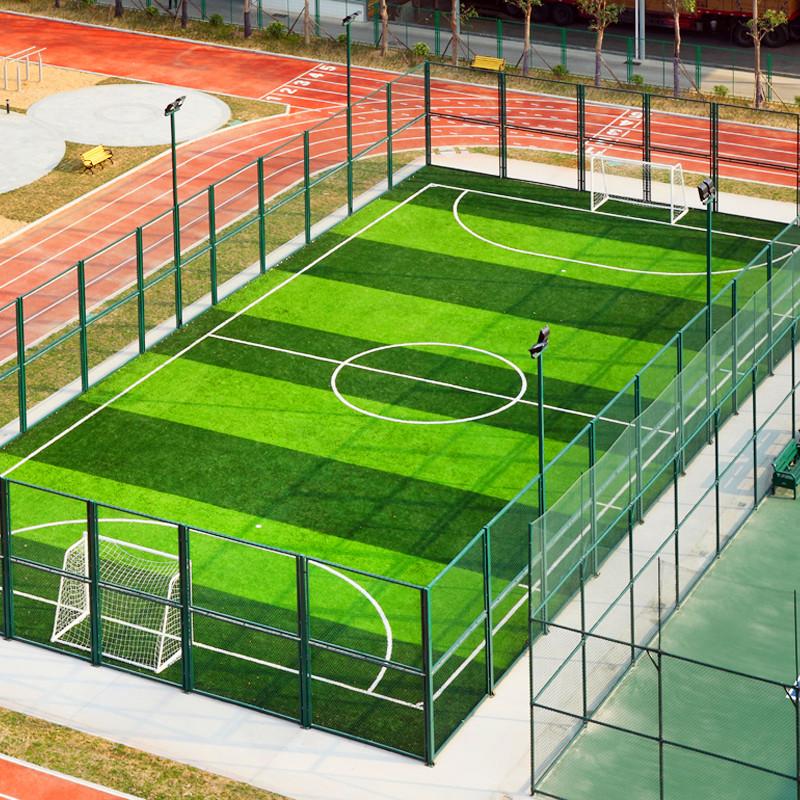 学校小型足球场人造草坪铺设